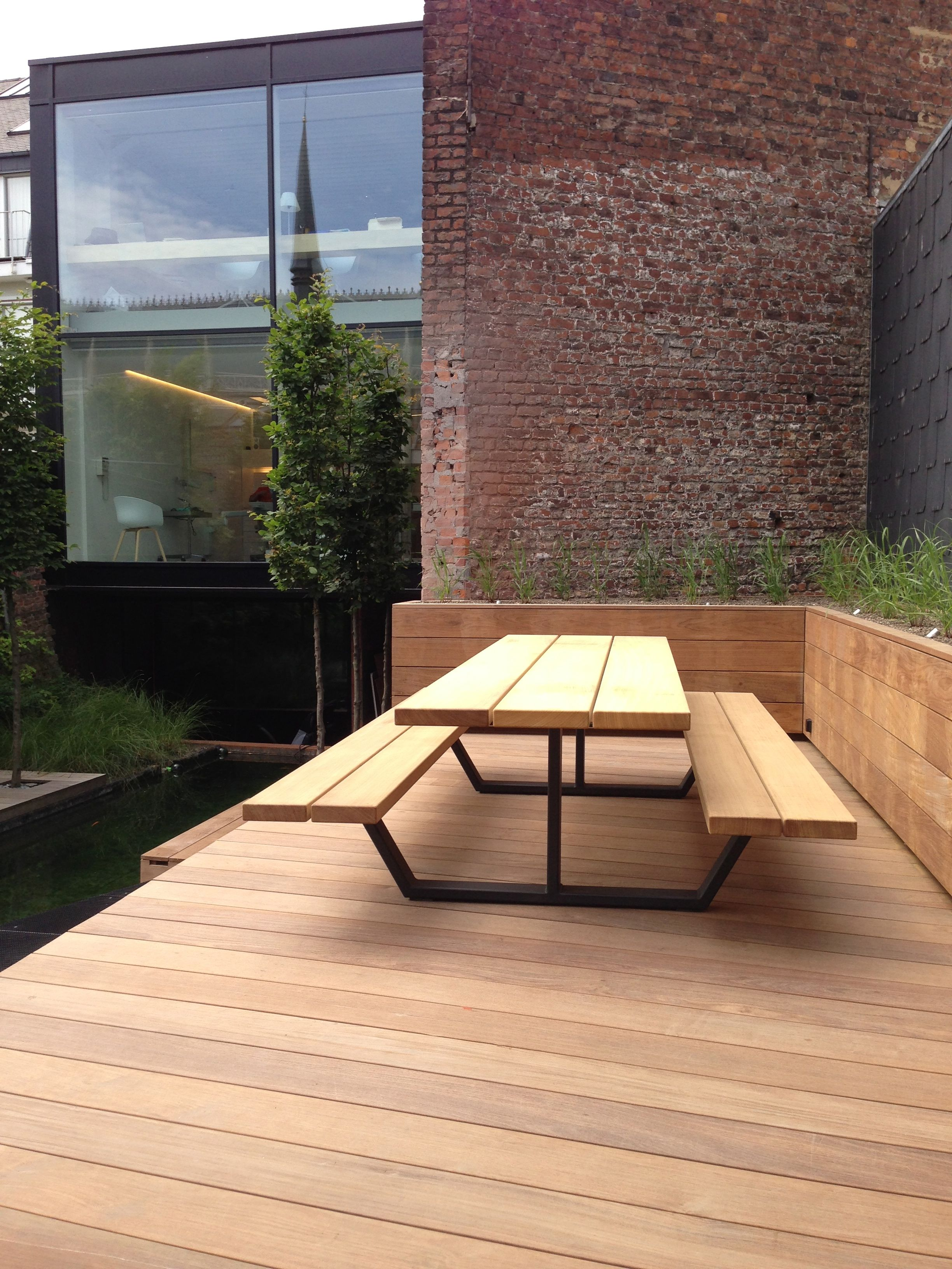 Cassecroute Table, 100% handmade in Belgium by Cassecroute ...