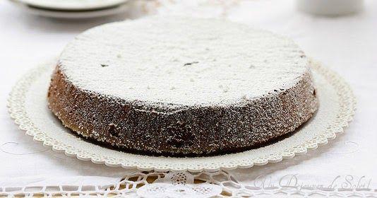 Torta caprese, un délicieux fondant au chocolat et aux amandes sans gluten, typique de Capri.