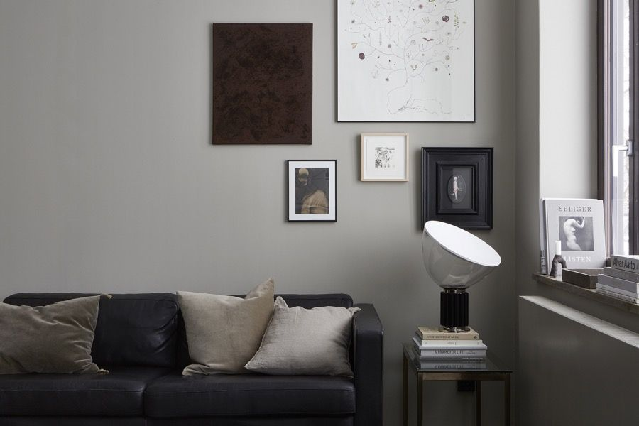 Decordots: Black, Grey, Taupe, Beige, Brown. Living Room Styled By