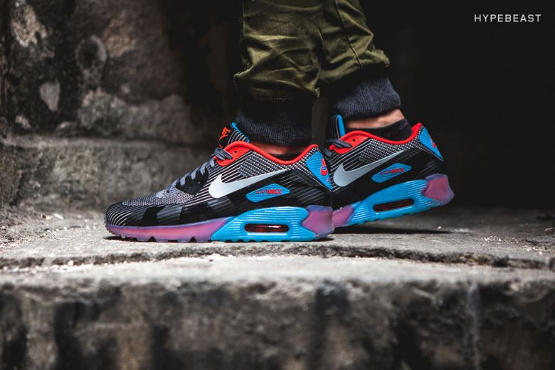 new product 21e88 65cb4 A Closer Look at the Nike Air Max 90 Knit Jacquard ICE