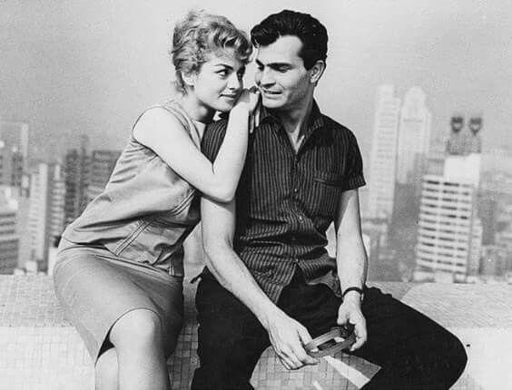 1964 - Tarcisio Meira e Jacqueline Myrna no set da novela A Desforra. Ao fundo à direita temos o edifício Altino Arantes.