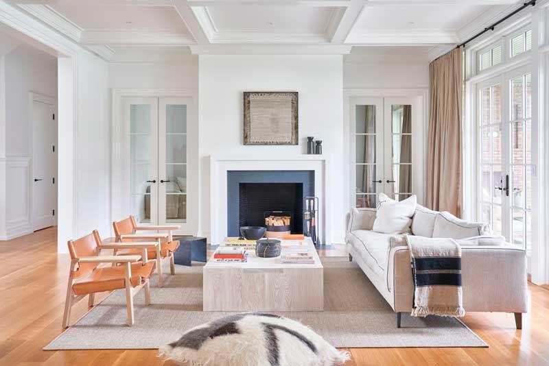 Una casa decorada con atemporalidad en tonos neutros