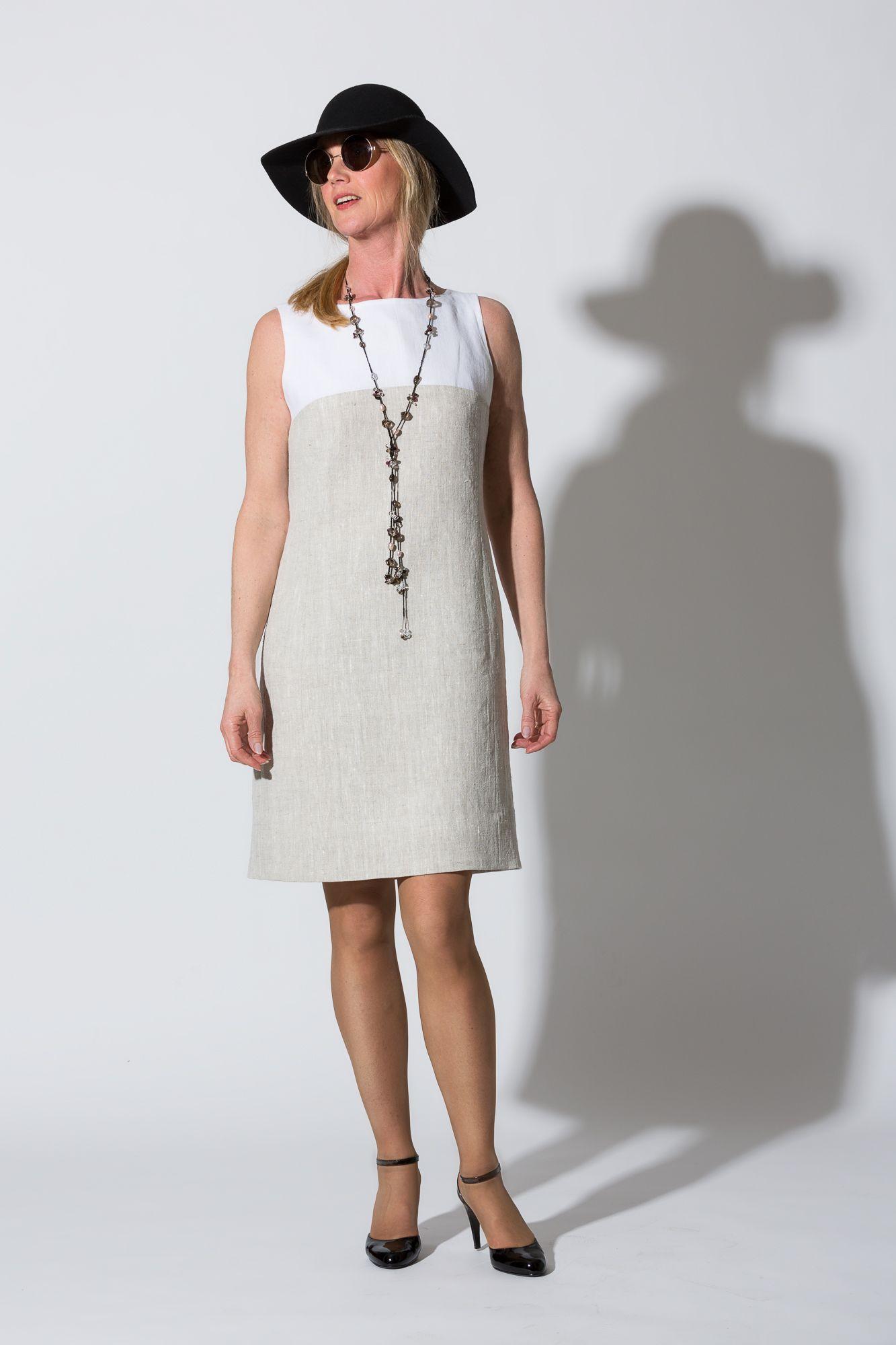 e94aaa7456be Linnekläder.Tvåfärgad linneklänning. Dress in linen fabric. Finns hos Lisas  Slow Fashion.