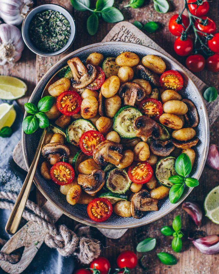 Gnocchi-Gemüse-Pfanne (vegan) - Bianca Zapatka | Rezepte