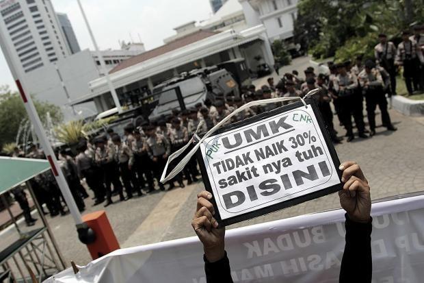 PHK Merebak, Menteri Darmin: Bukan Karena Ekonomi Melambat