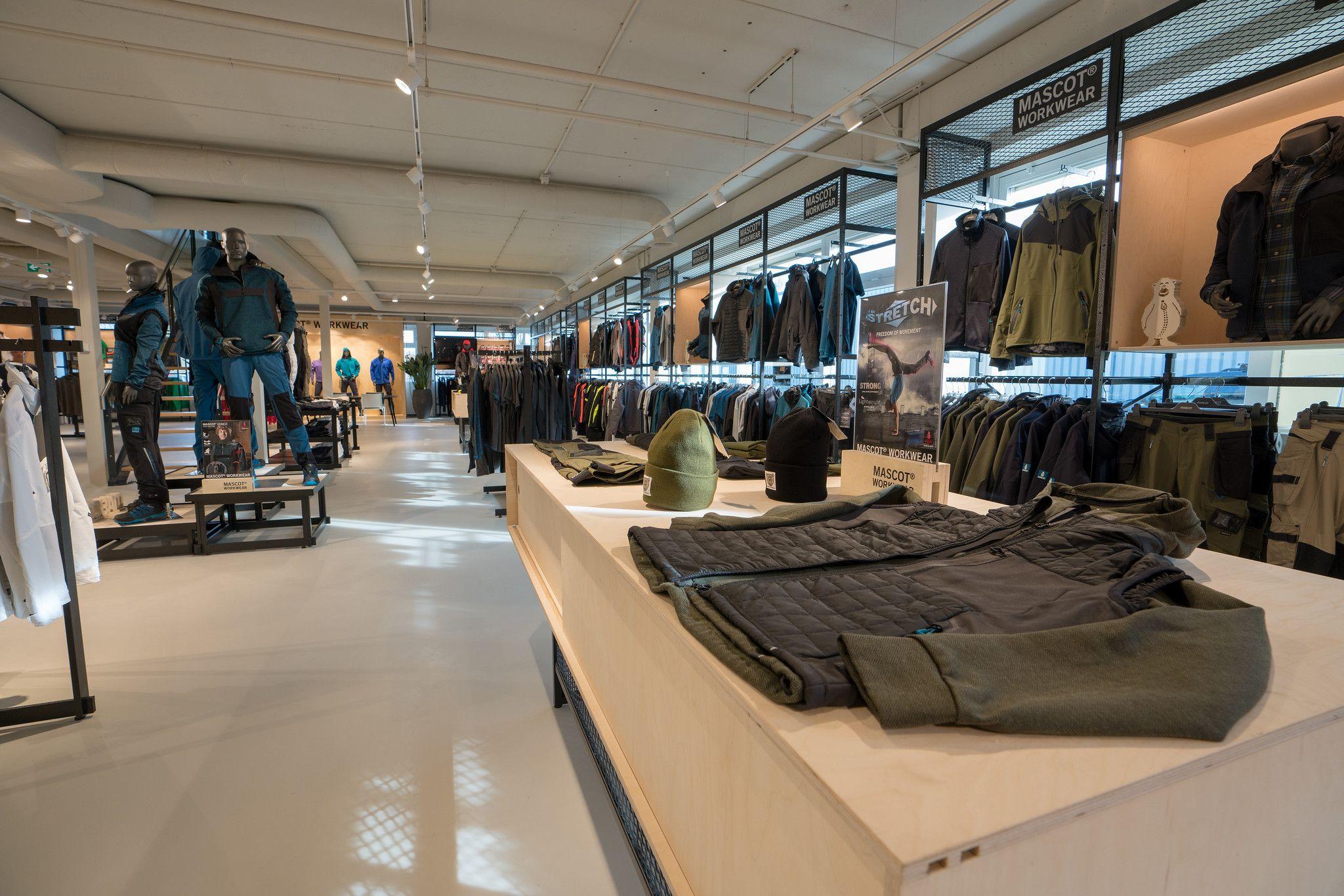 5abe4ba5b56 Mascot Workwear Shop Concept. #Norbec_Design | MASCOT WORKWEAR