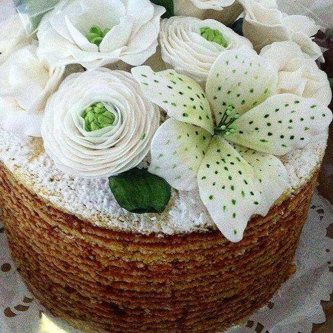 Muitos bolos de rolo saindo esta semana  #boloderolo #nakedcake #pieceofcakebr #boloderolonaked by pieceofcakebr