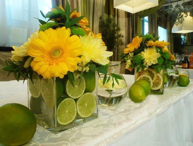 Fleurs, Table Verte, Centres De Table Marguerite, Centres De Table,  Décorations De