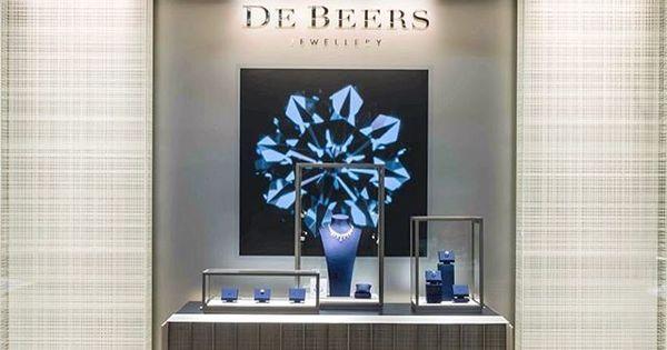 De Beers by Atelier Marika Chaumet #ateliermarikachaumet #debeers #retail… | Jewelry interior | Pinterest | Atelier, Beer and De beers