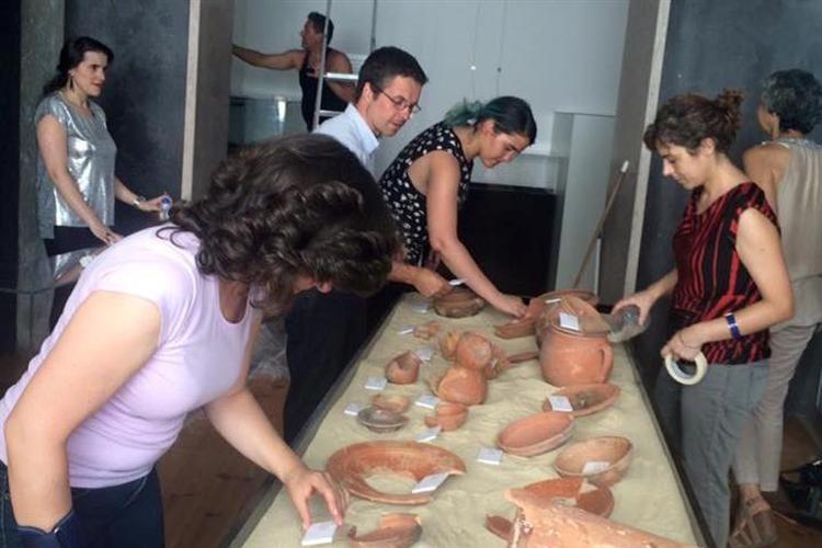 O Centro de Inovação da Mouraria vai receber uma  mostra de objetos do quotidiano antigos, descobertos após obras de reconversão