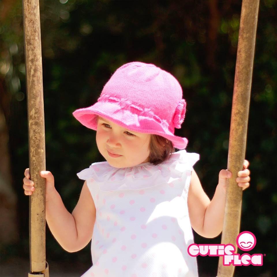Já andam a  passear  os chapéus em croché ou tecido que chamam o bom tempo.  Ajustáveis e tão queridos 7988af56f6e