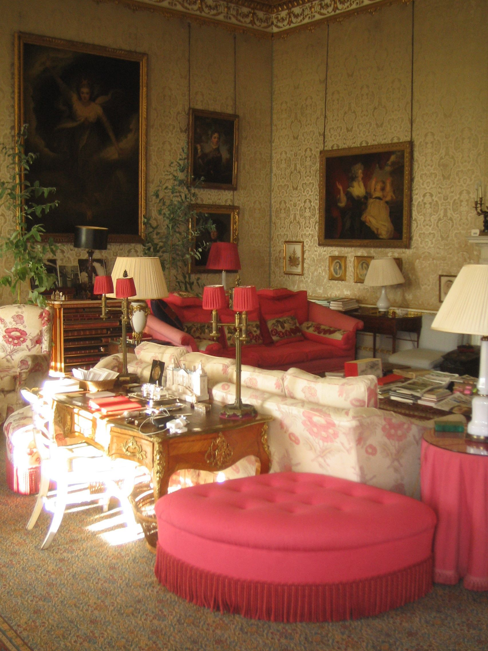 English Country House Drawing Rooms: Chatsworth, Private Sitting Room. Robert KIme, #debo