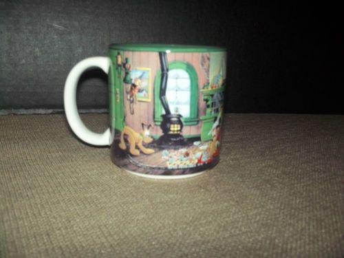 Vintage 1993 Disney Christmas Coffee Mug Santa's Workshop Minnie,Mikey,Pluto....