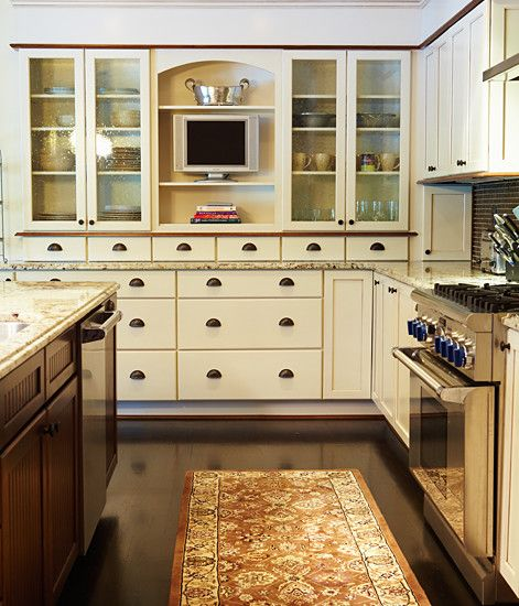 Pin By Jennifer Evans On Places Spaces Colonial Kitchen British Kitchen Design British Colonial Style Kitchen