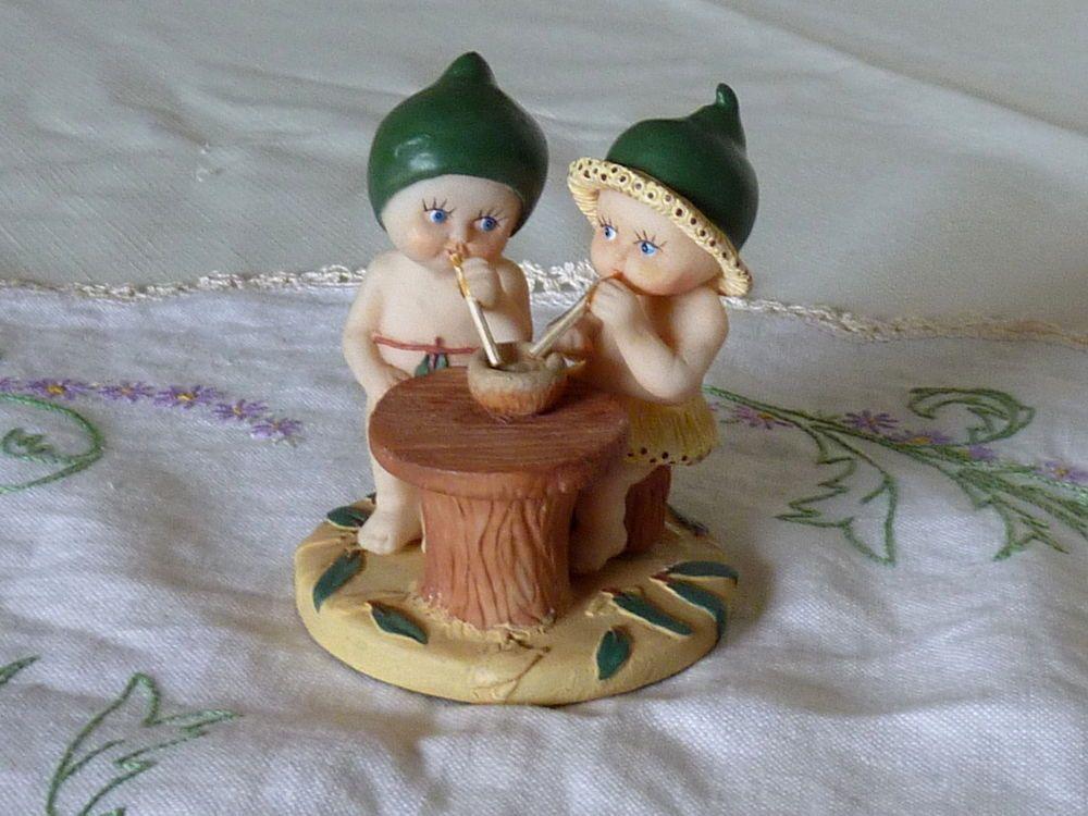 GUMNUT BABIES FIGURINE SNUGGLEPOT CUDDLEPIE BY MAY GIBBS N