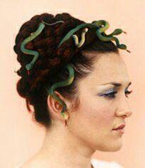 Medusa Hair #howtodisguiseyourself Halloween Hairstyles - Medusa #howtodisguiseyourself