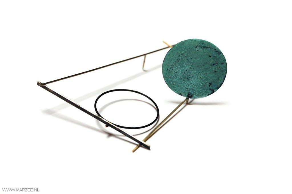 Graziano Visintin - brooch, 2012, gold, zilver, oxidized copper -  110 x 76 x 40 mm