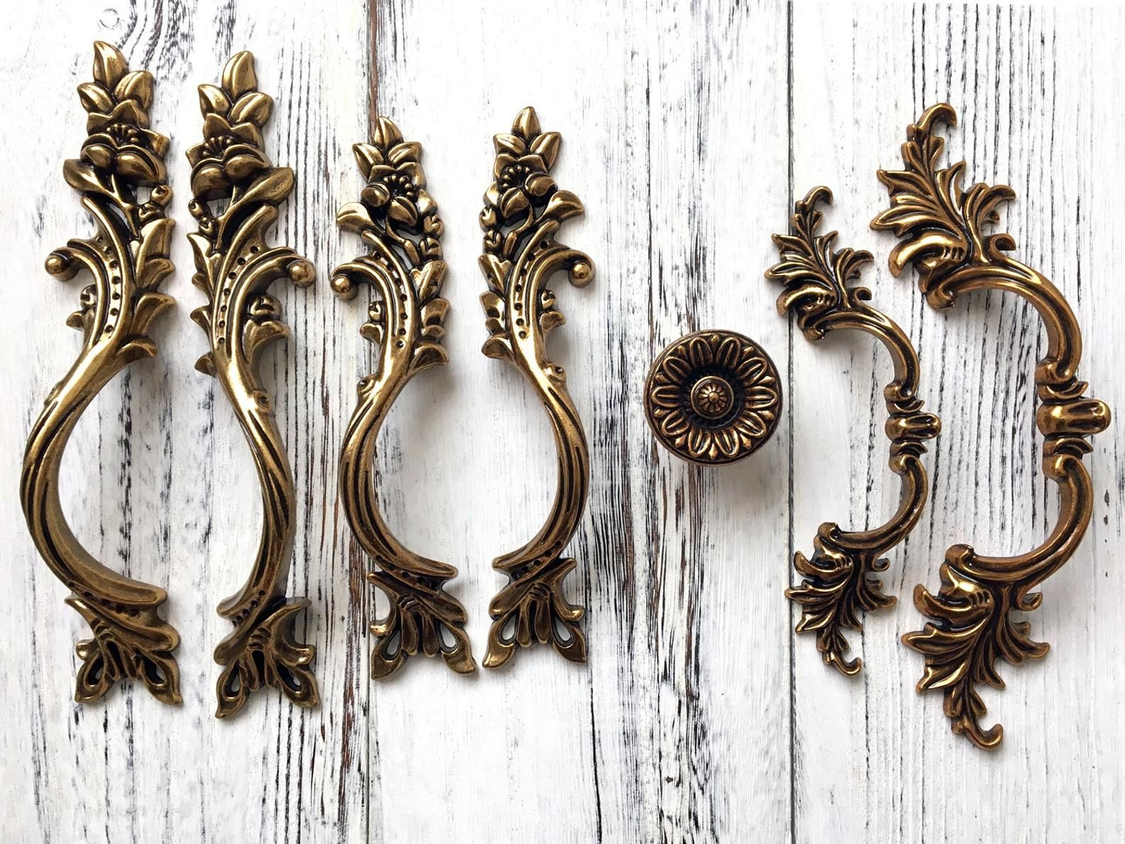 Antique Gold Brass Cabinet Door Handle Pulls Drawer Pull Etsy Drawer Pulls Cabinet Door Handles Door Handles