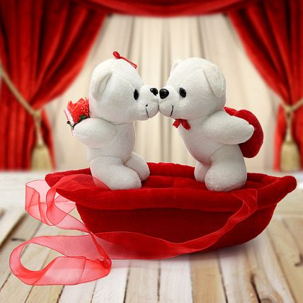10 Beautiful Teddy Bears For Your Valentines Design Pinterest
