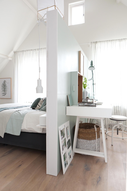 Master bedroom shelves above the bed  In de vierde aflevering van vtwonen doehetzelf verrast Bregje Igor