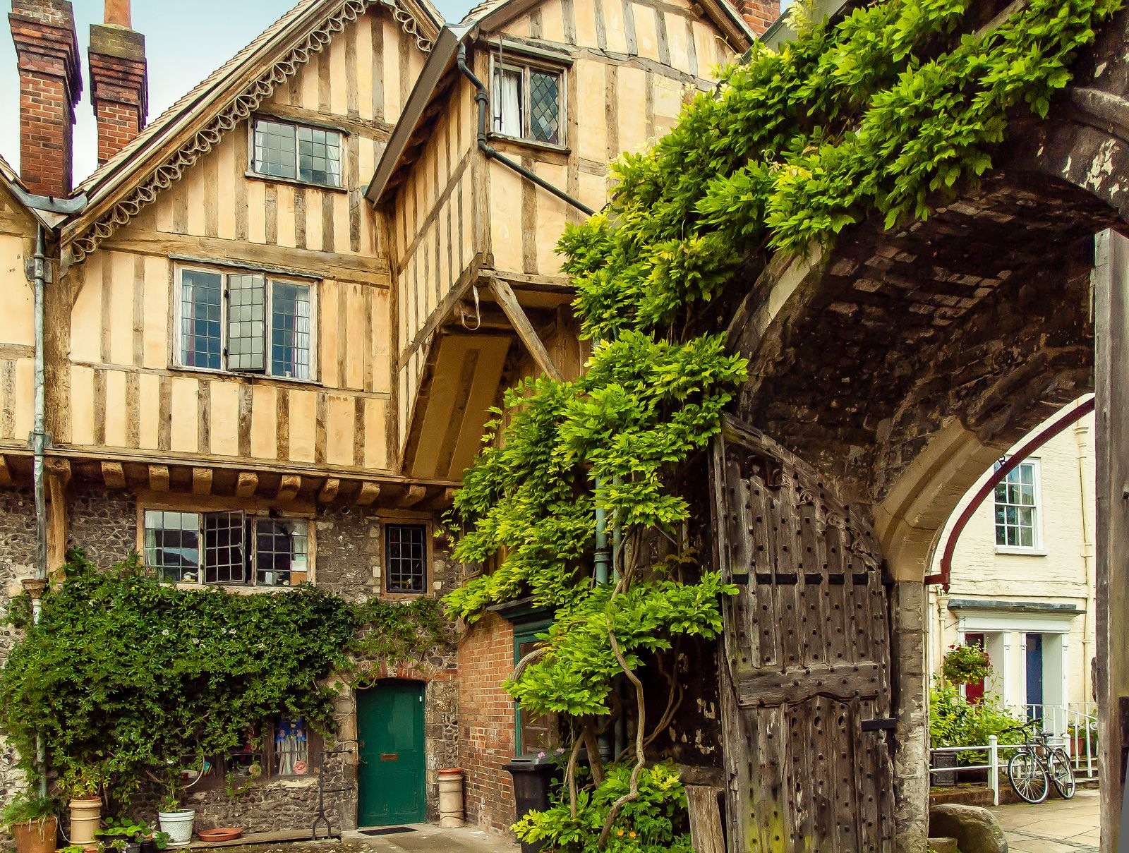 The 15th Century Cheyney Court And Priory Gate In The Close Of Winchester Cathedral Hampshire England England Winchester
