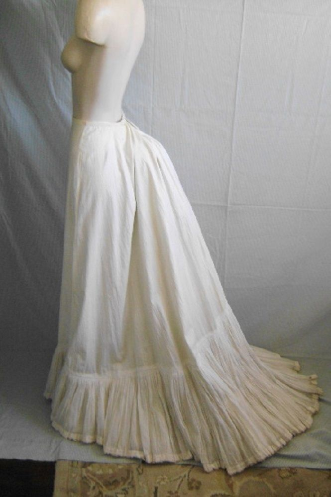 Antique 1900 S Victorian Ivory Heavy Cotton Trained
