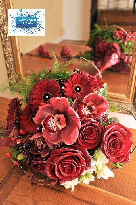 Christmas Heart Bouquet  #holiday wedding #christmas wedding #christmasbouquet (c) Derek Pelling Photography