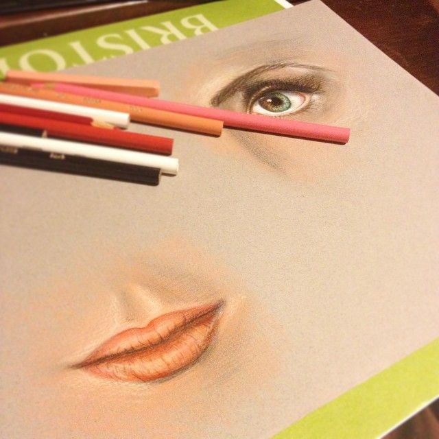 drawing eyes and lips with colored pencils
