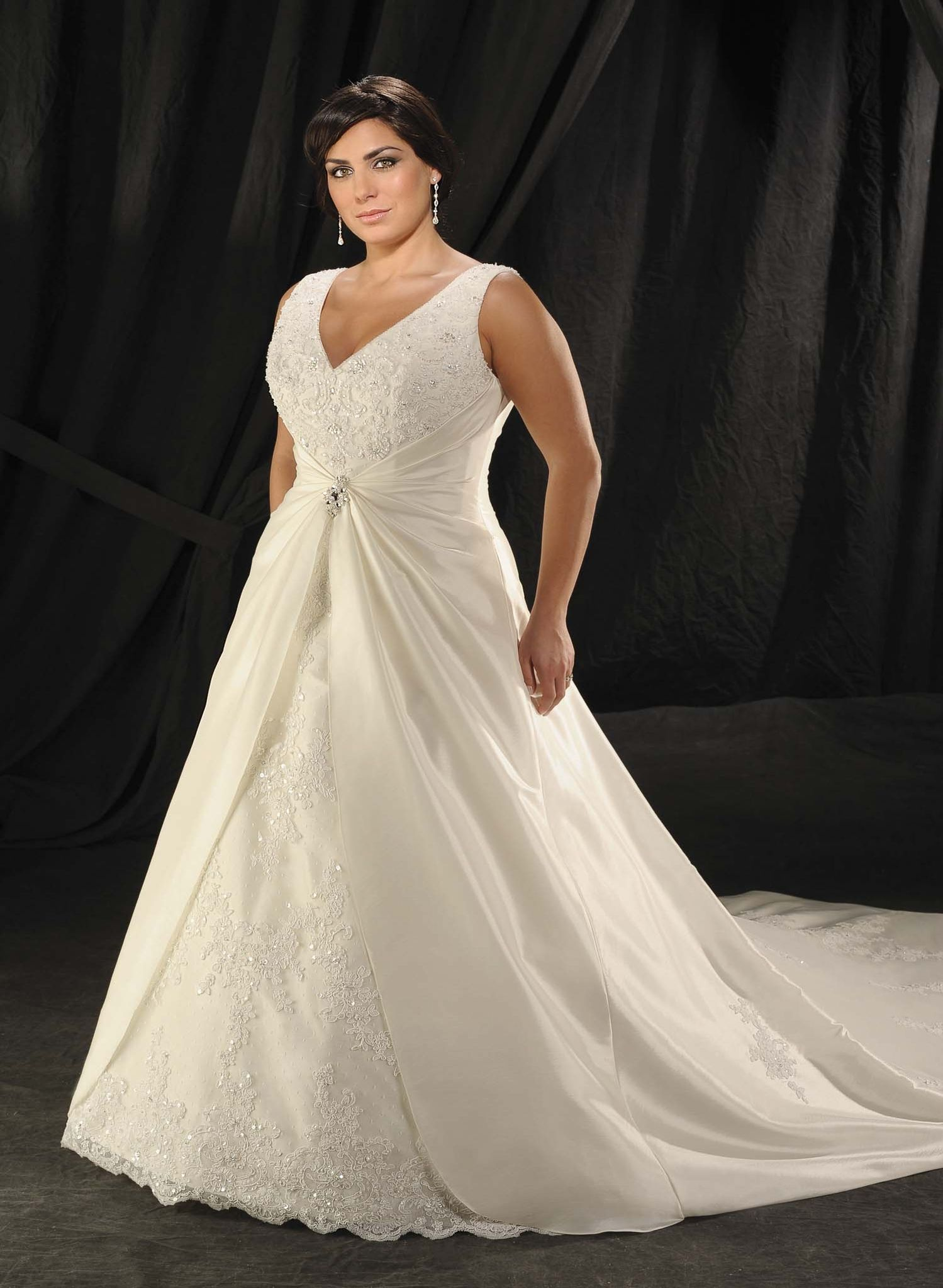 Wedding Dress For Apple Shaped Plus Size Image Collections Vogue Wide Straps Beading Satinlace