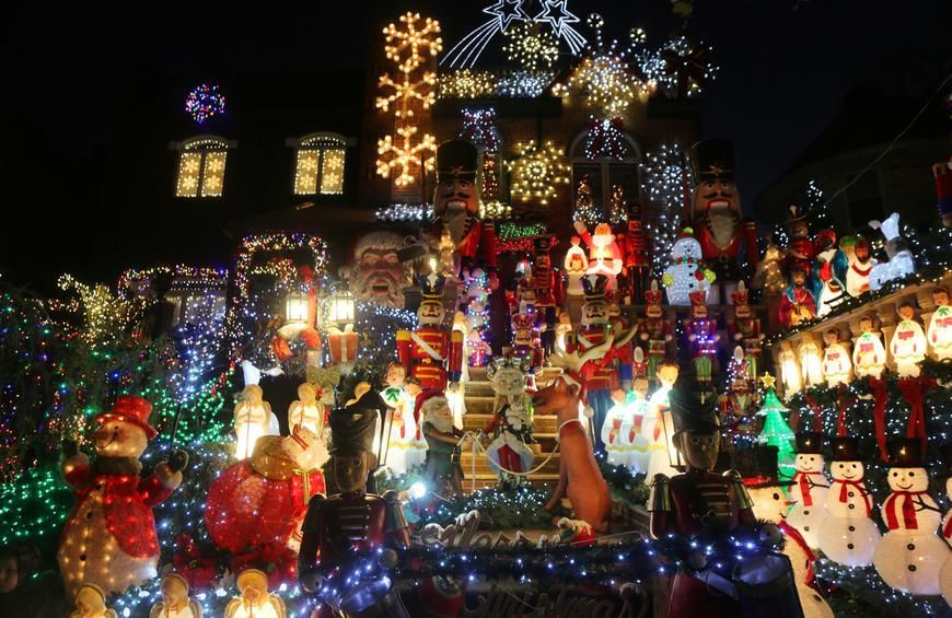 The Most Amazing Christmas Light Displays in America New