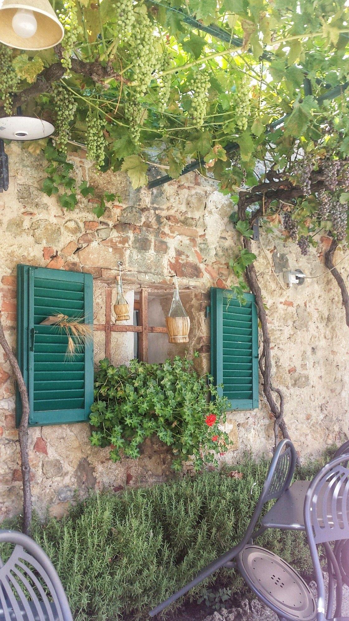 As Caracteristicas Janelas Da Toscana Com Imagens Turismo