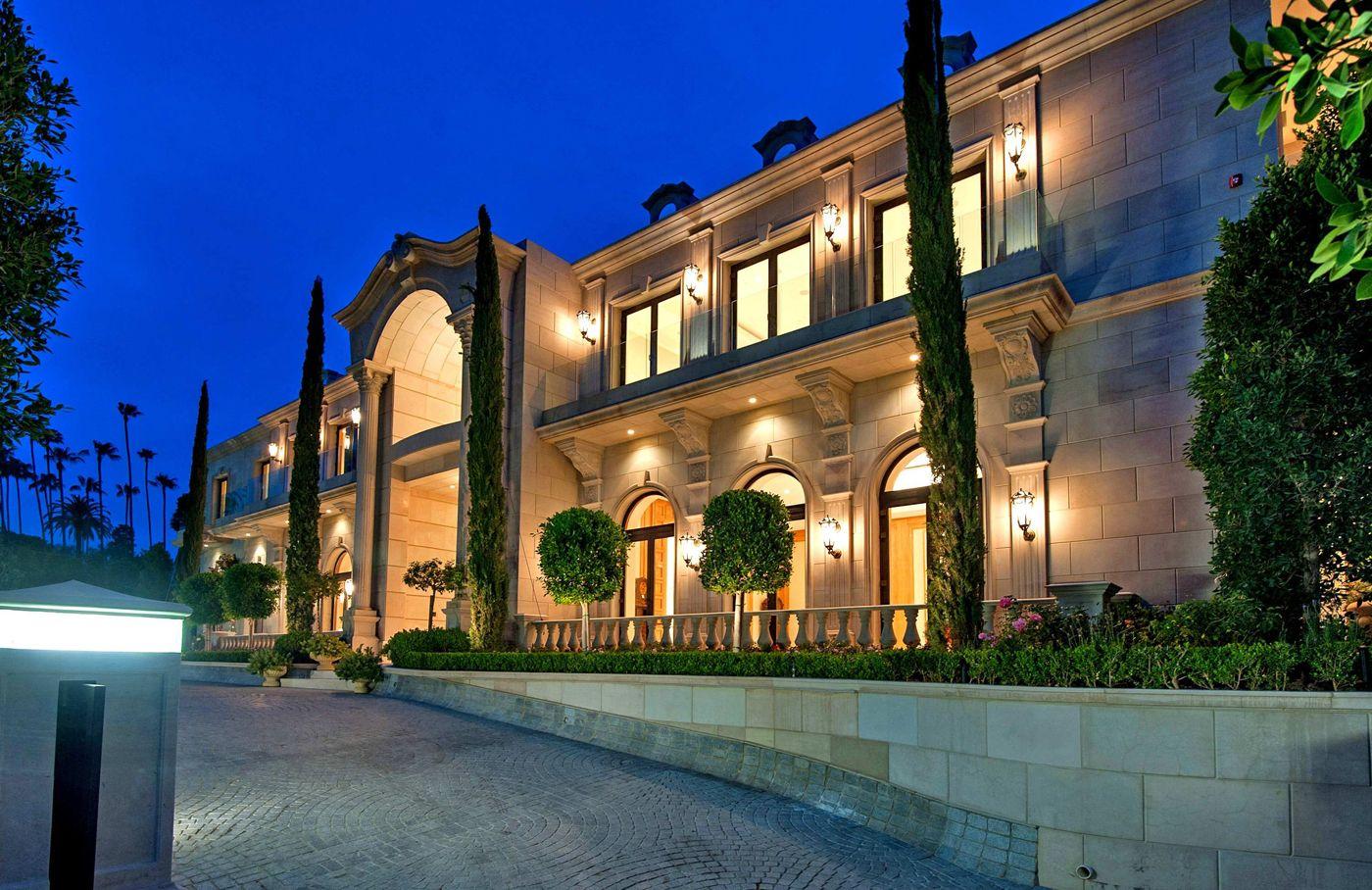Mohamed hadids 58 million estate for sale in beverly hills for Mansion estates for sale