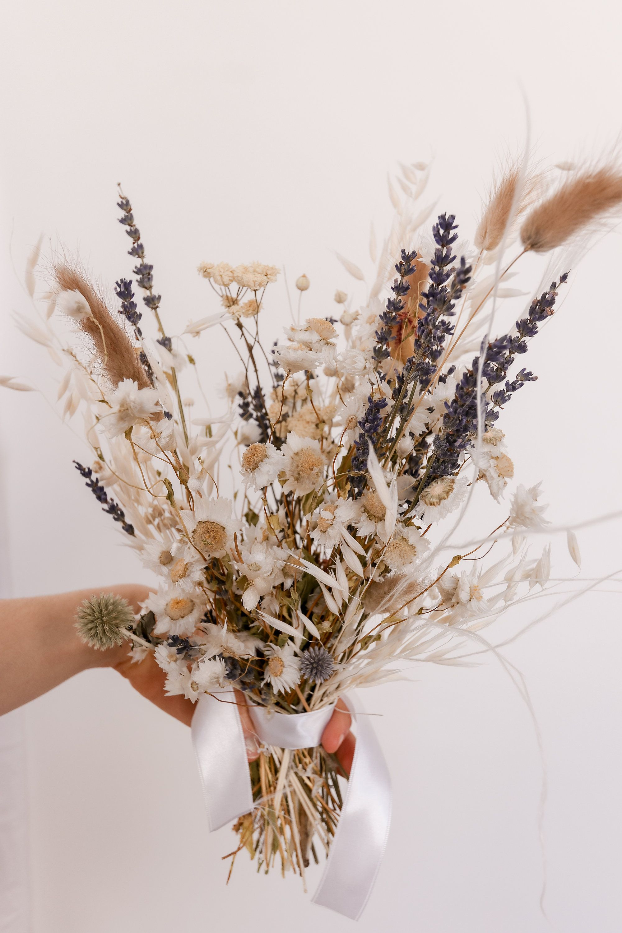 Dried Lavender Bouquet Dried Daisy Bouquet Echinops Etsy In 2020 Dried Flower Bouquet Wedding Dried Flower Bouquet Wildflower Bouquet