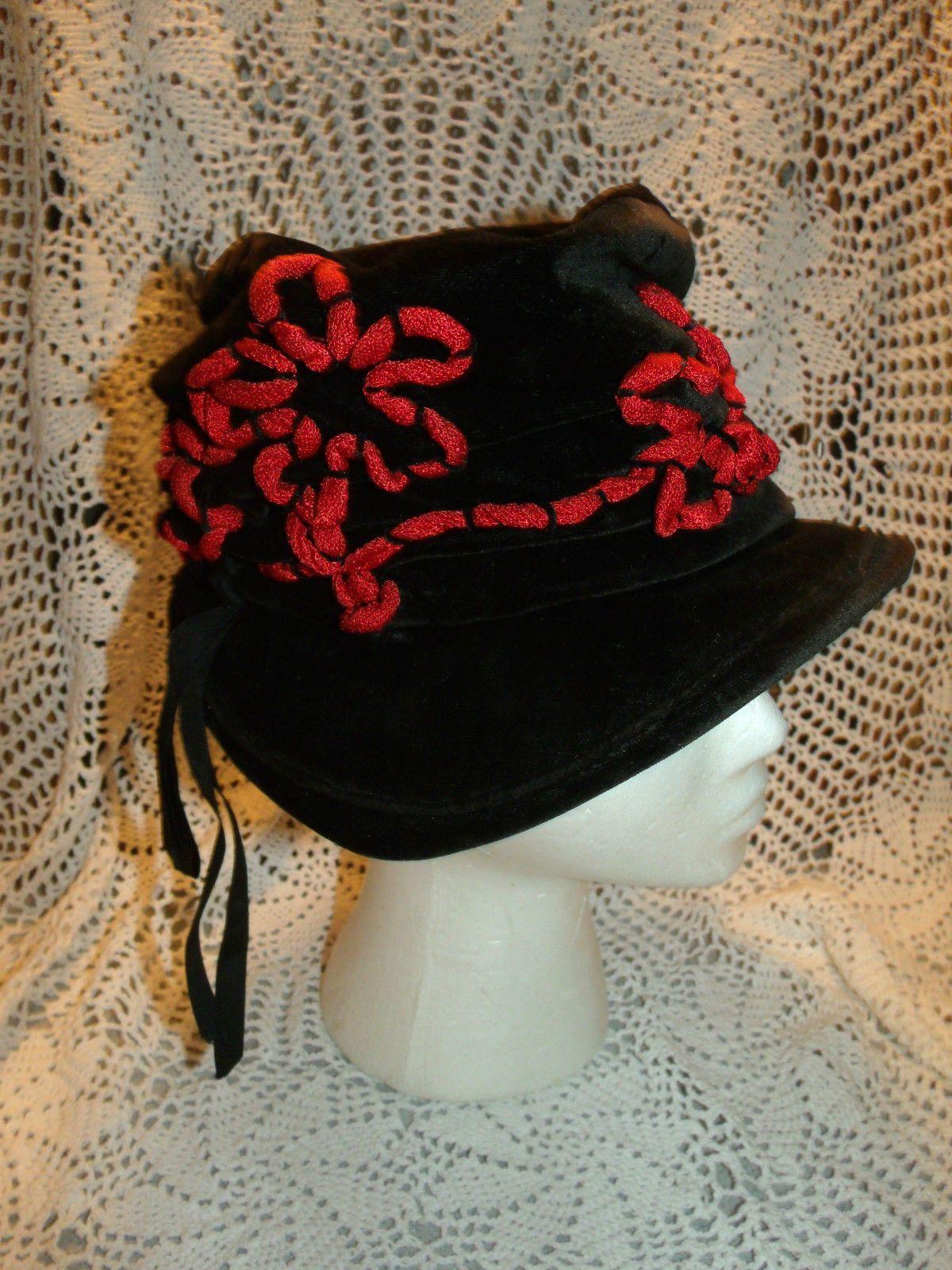 Vintage Titanic Flappers Era Ladies Black Velvet Cloche Brim Hat Red Trim