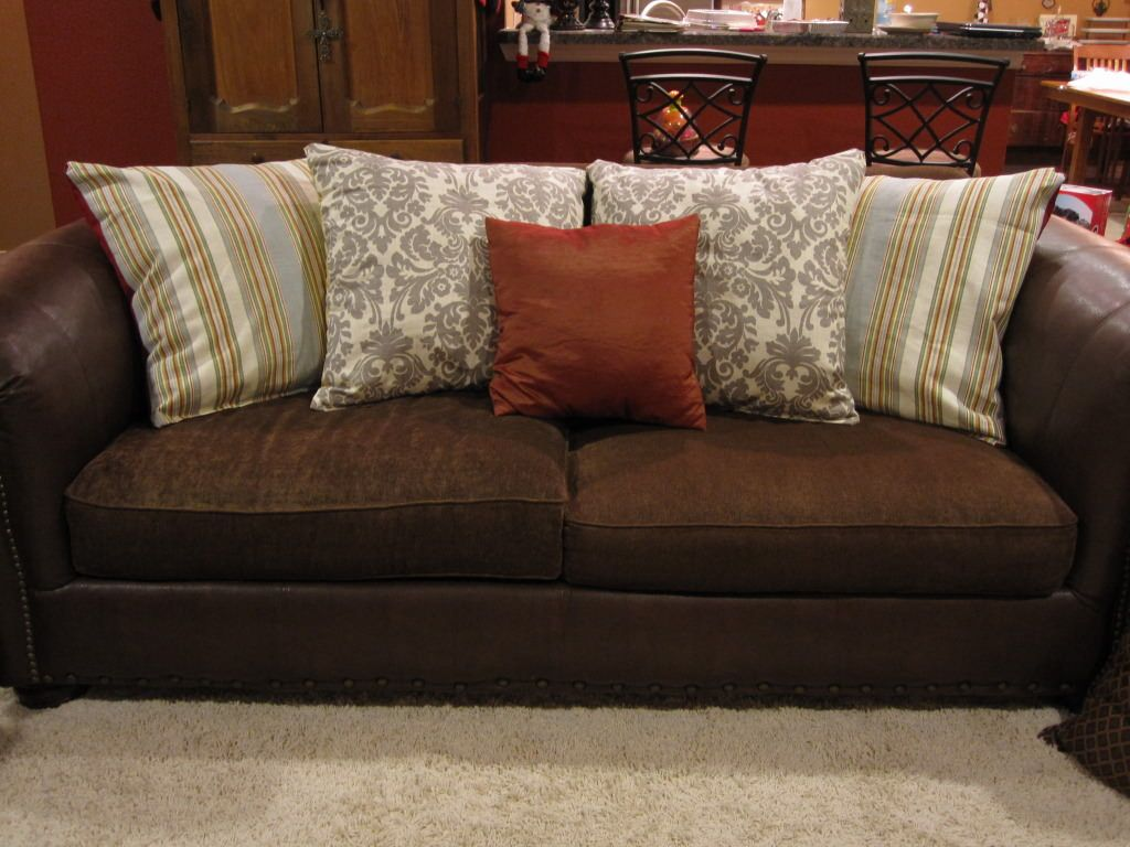 Big Throw Pillows for Couch   Couch