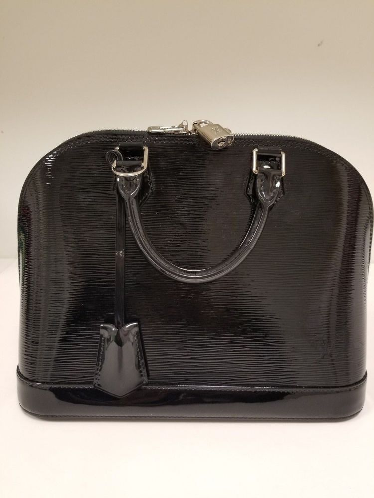 2d10062593ac Louis Vuitton Noir Epi Leather Alma PM Bag | S T Y L E / Vintage Fashions |  Fashion, Vintage fashion, Alma pm