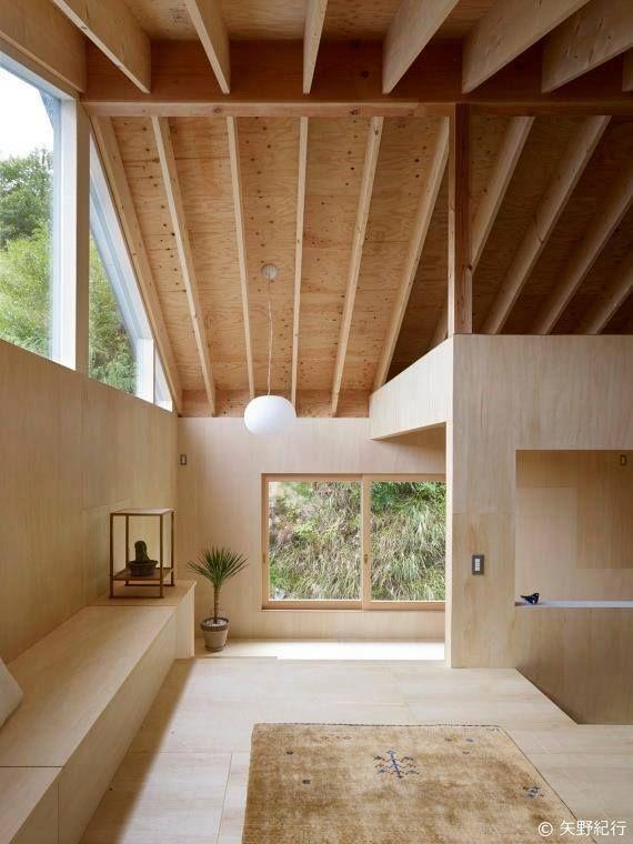 le bois investit d sormais les murs de nos int rieurs pour une atmosph re chaleureuse. Black Bedroom Furniture Sets. Home Design Ideas