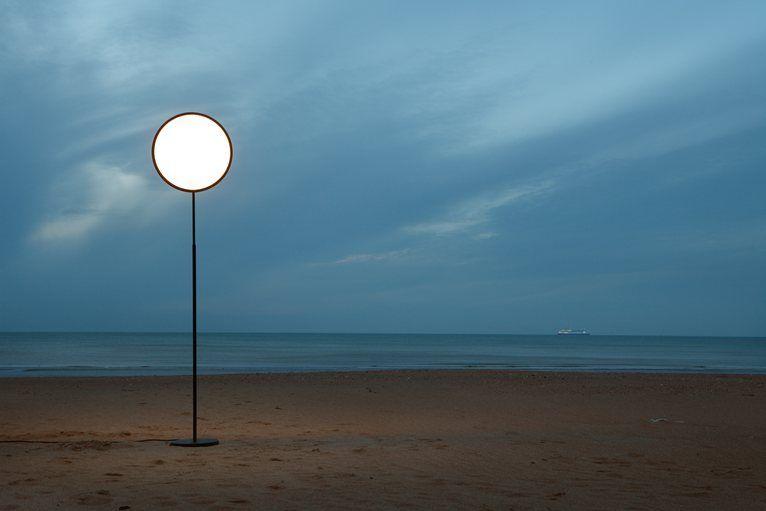 Moon lamp by NATHALIE DEWEZ 2013