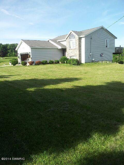 17272 McPhail Avenue NE, Cedar Springs, MI 49319 | Grand Rapids Association of REALTORS ®