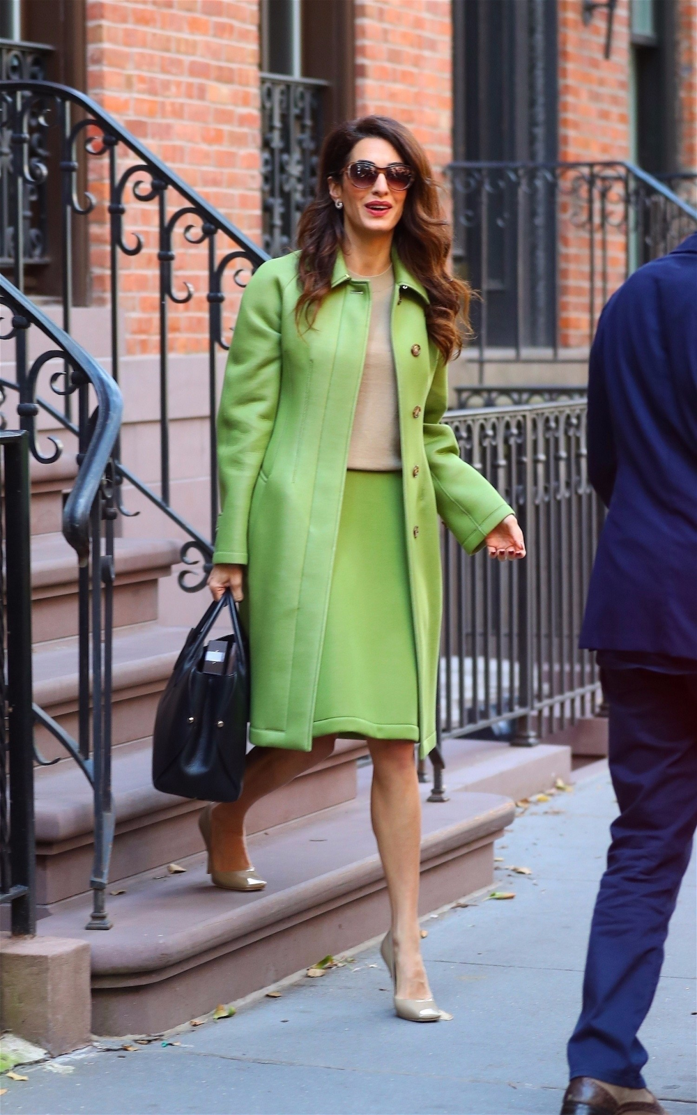 Amal Clooney Finds A New Power Color For Fall Style Fashion Comfy Outfits