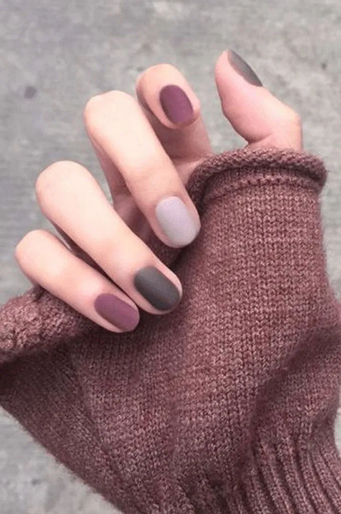 27 Stunning Nail Calm Color for Winter Fashion 19 - sablon