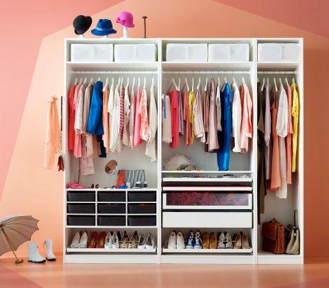 combinaison de garde robe pax blanche sans portes o sont rang s chaussures chapeaux et. Black Bedroom Furniture Sets. Home Design Ideas