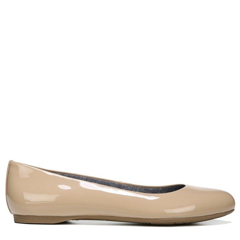 Dr. Scholl's Women's Giorgie Medium/Wide Memory Foam Flat Shoes (Caravan  Sands Patent)