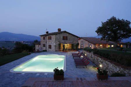 Dai un'occhiata a questo fantastico annuncio su Airbnb: Holiday Villa with heated pool  a Poppi