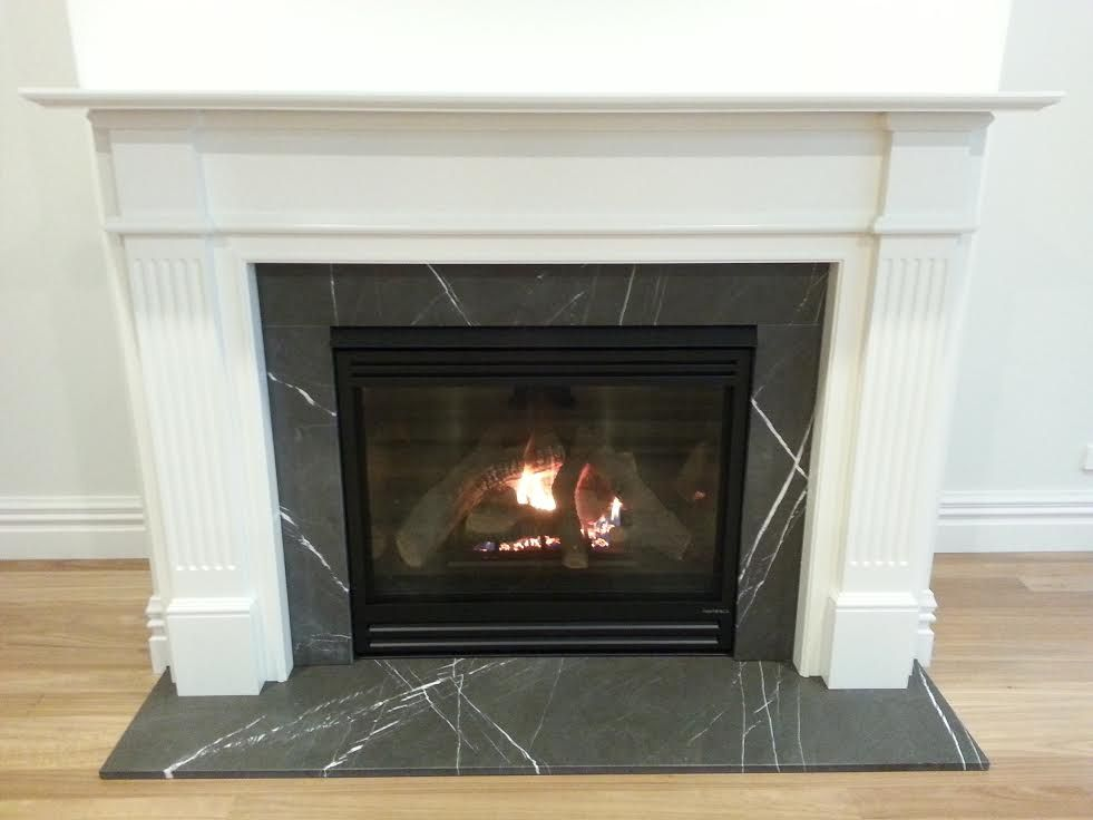 A Recent Installation Of A Jetmaster Heat N Glo 6000 Trsi With Logs The Installation Included A Pietro Grigio H Heat N Glo Direct Vent Gas Fireplace Fireplace