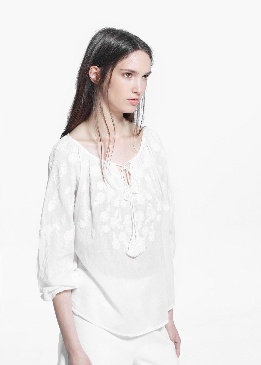 9114452bc0c1 Embroidered blouse Blouse En Coton