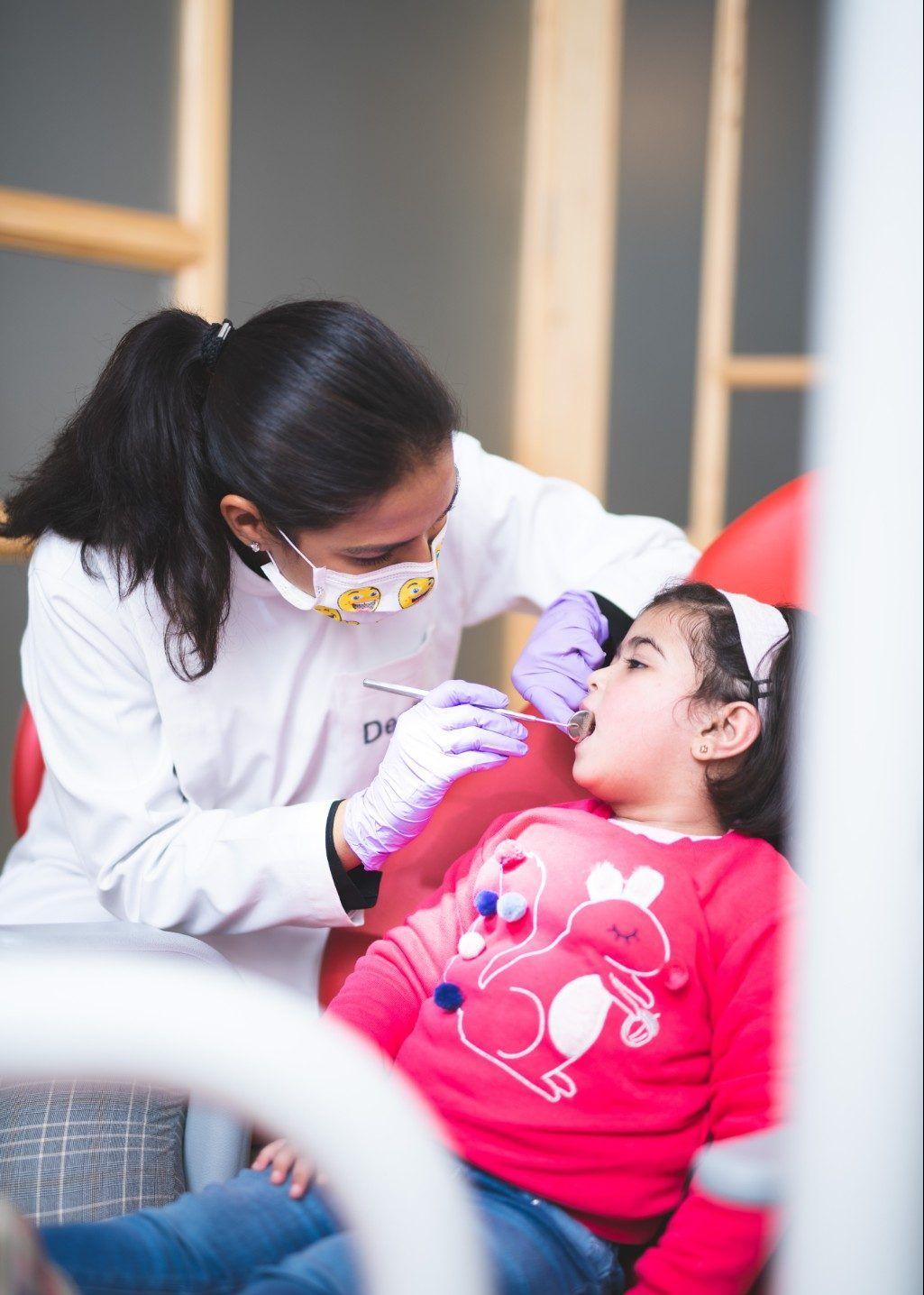 Best kids dentist in delhi kids dentist kids braces