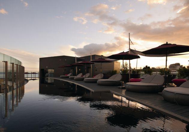 Descubrimiento de la semana 73: La piscina del Vine Hotel en Madeira, Portugal. #pool #piscina #hotelpool #poolwithaview #piscinaconvistas
