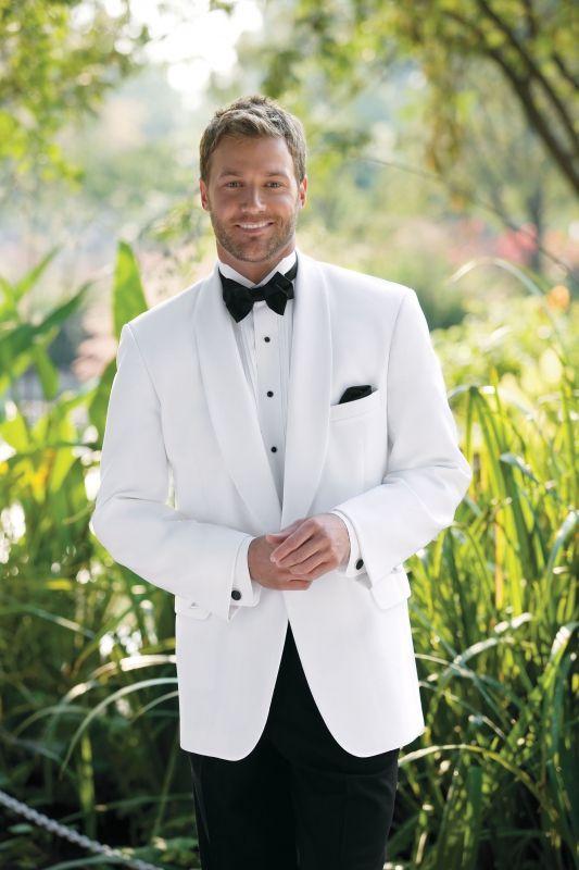 White tuxedo | GROOM SWOON | Pinterest | White tuxedo, Grooms and ...