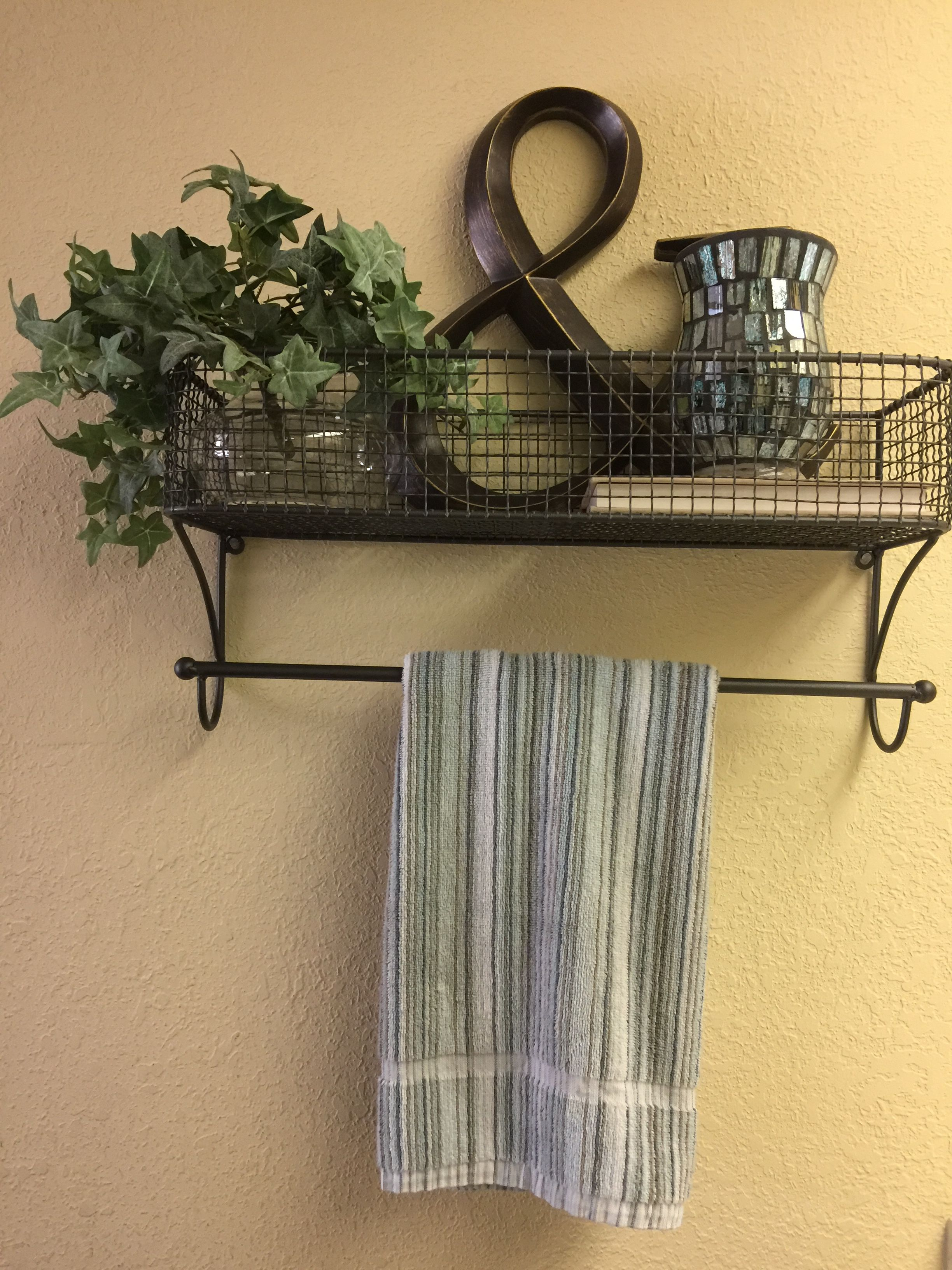 Bon Decorative Bathroom Towel Bar.
